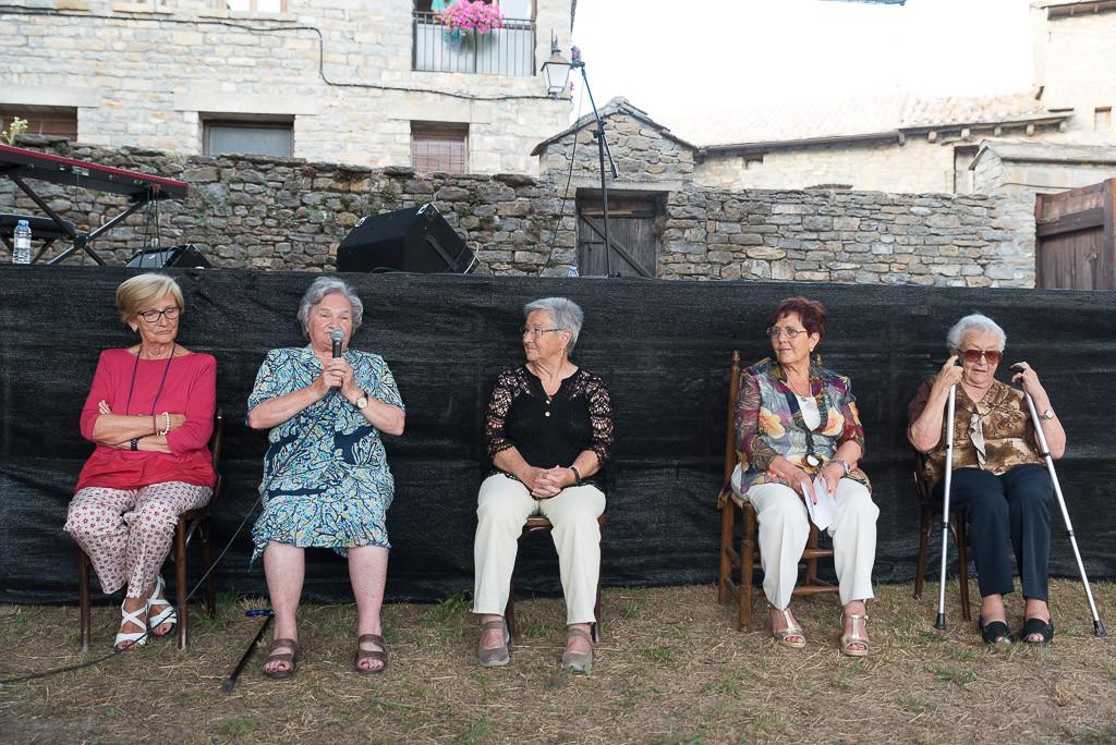 """Mujeres que cuentan"" en l'Ainsa-Sobrarbe. Foto: Pablo Ibáñez (AraInfo)."