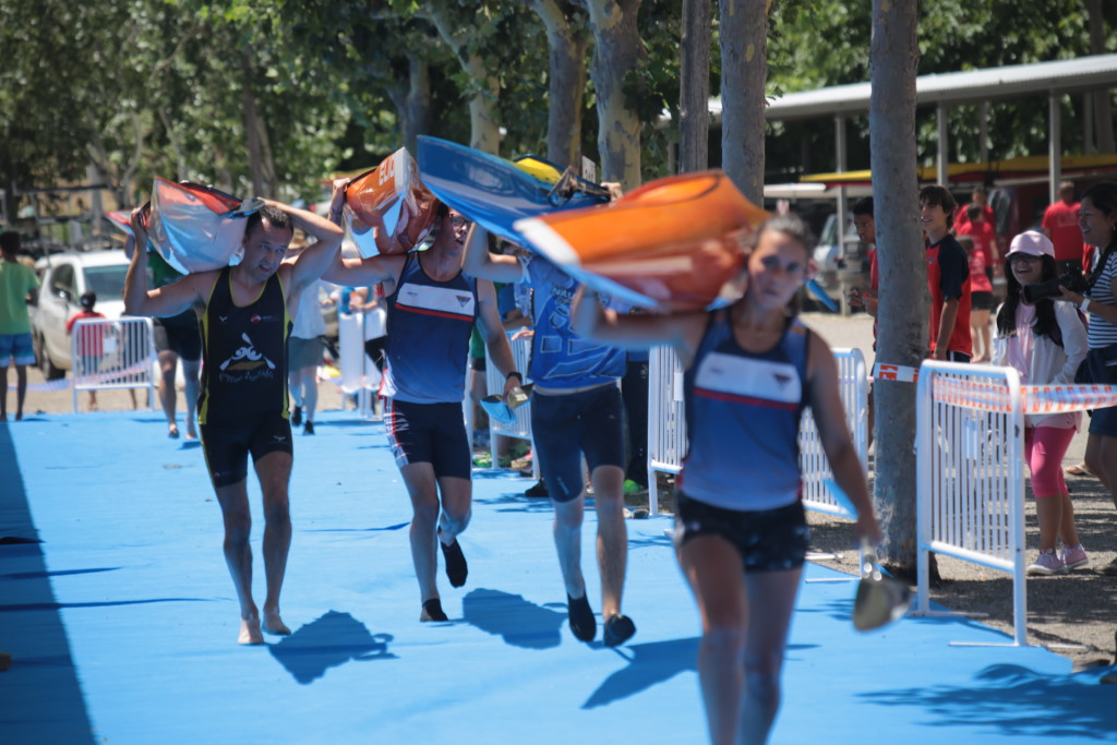 El Club Natació Banyoles se impone en el maratón de piragüismo de la III Liga Este disputado en Mequinensa