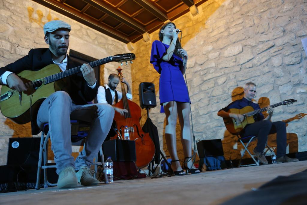 200 personas participan en el concierto inaugural del XXVIII Cicle de Música al Castells