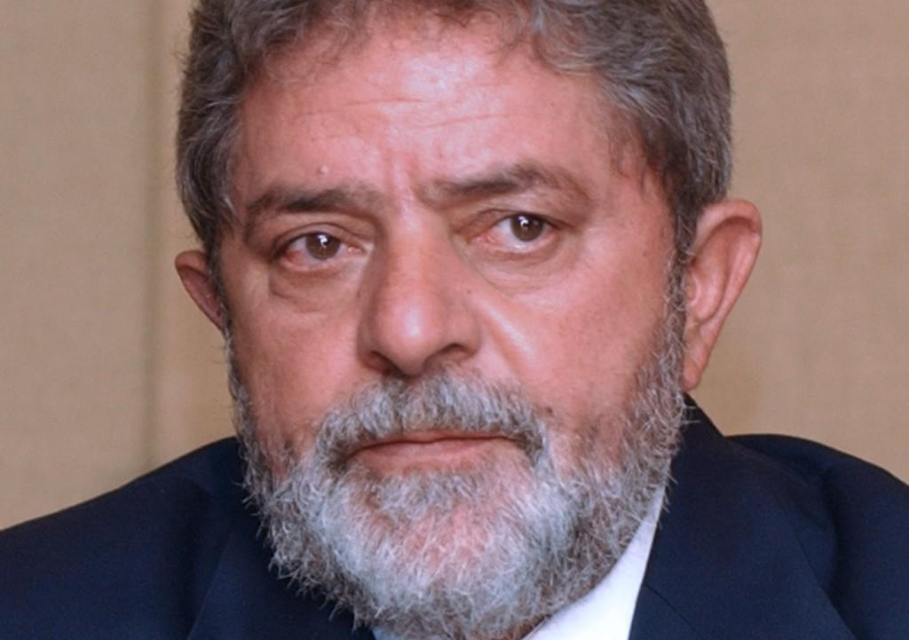 Lula condenado a nueve años y medio de cárcel