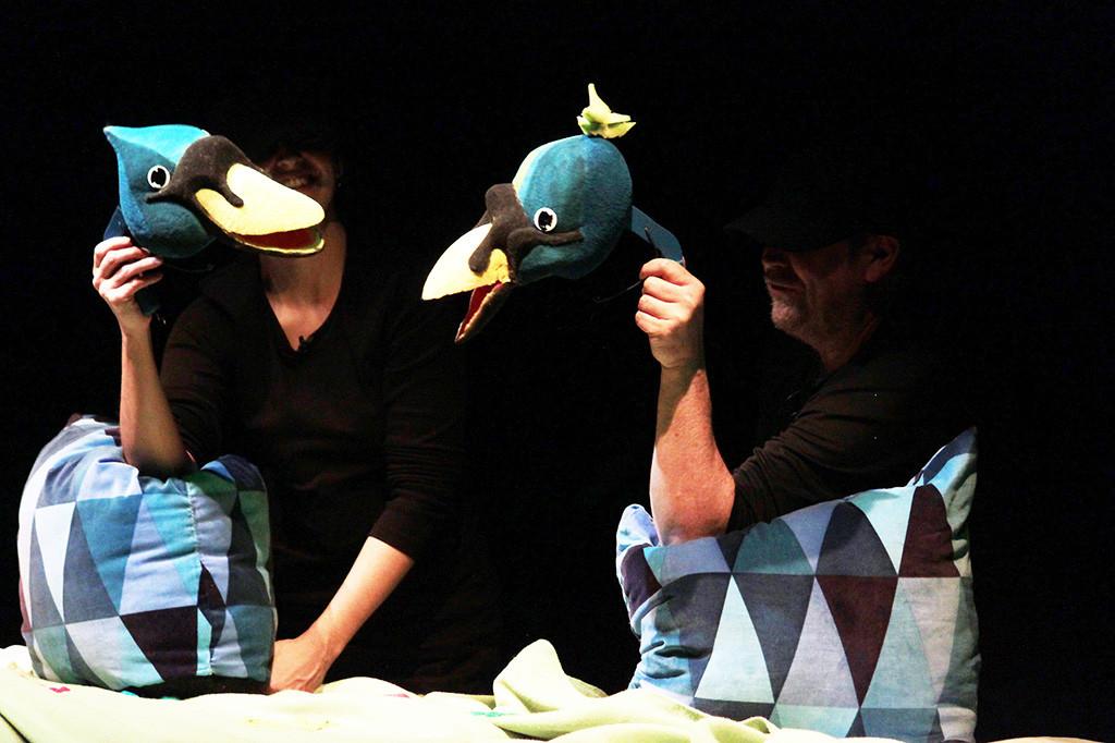 """El Teatro Arbolé recupera """"Pato feo"""", una versión libre del clásico cuento"""