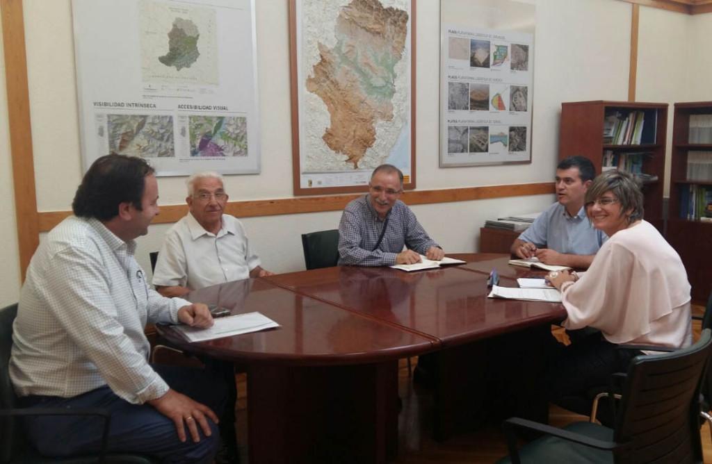 """Líneas de colaboración con """"Pueblos Vivos"""" para atajar la despoblación"""