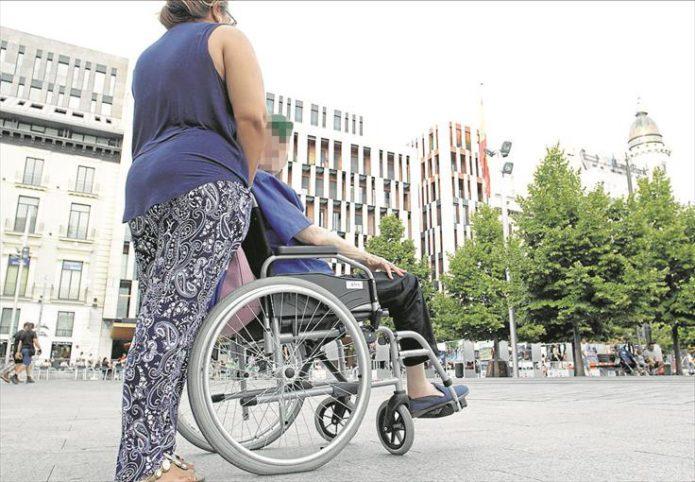 El Gobierno de Aragón extenderá la teleasistencia gratuita a todas las personas que tengan la dependencia reconocida y lo soliciten