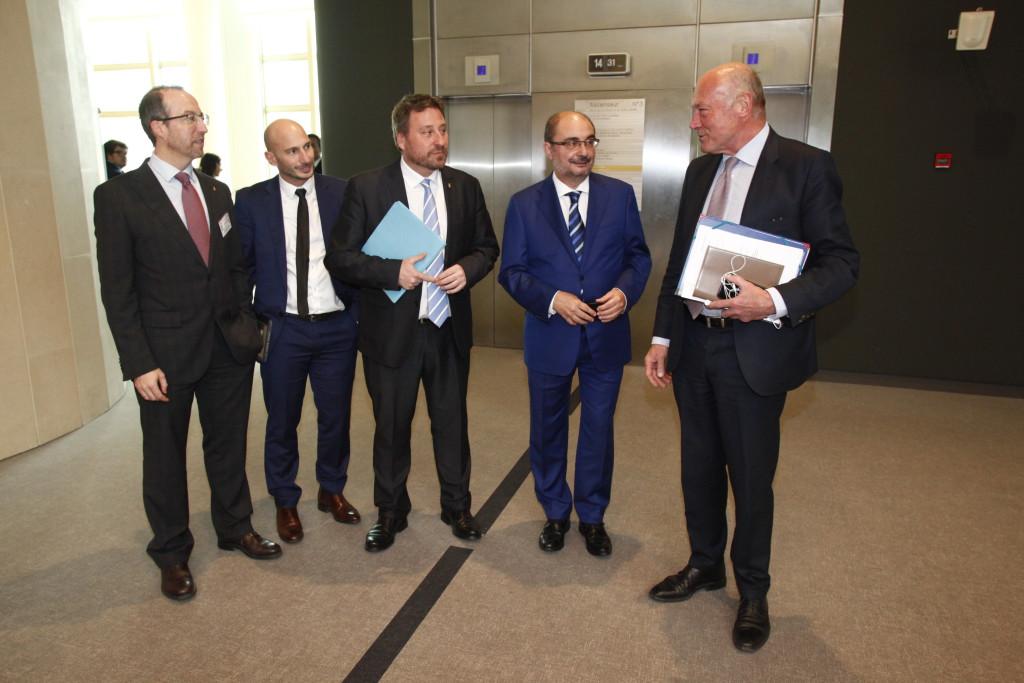 Aragón, Fomento y Aquitania marcan las acciones para la reapertura de la línea Zaragoza-Canfranc-Pau
