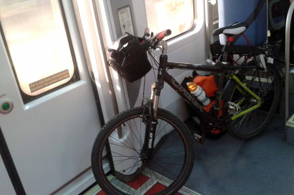 Renfe suprime en verano el acceso con bicicletas a la línea Zaragoza-Teruel-València