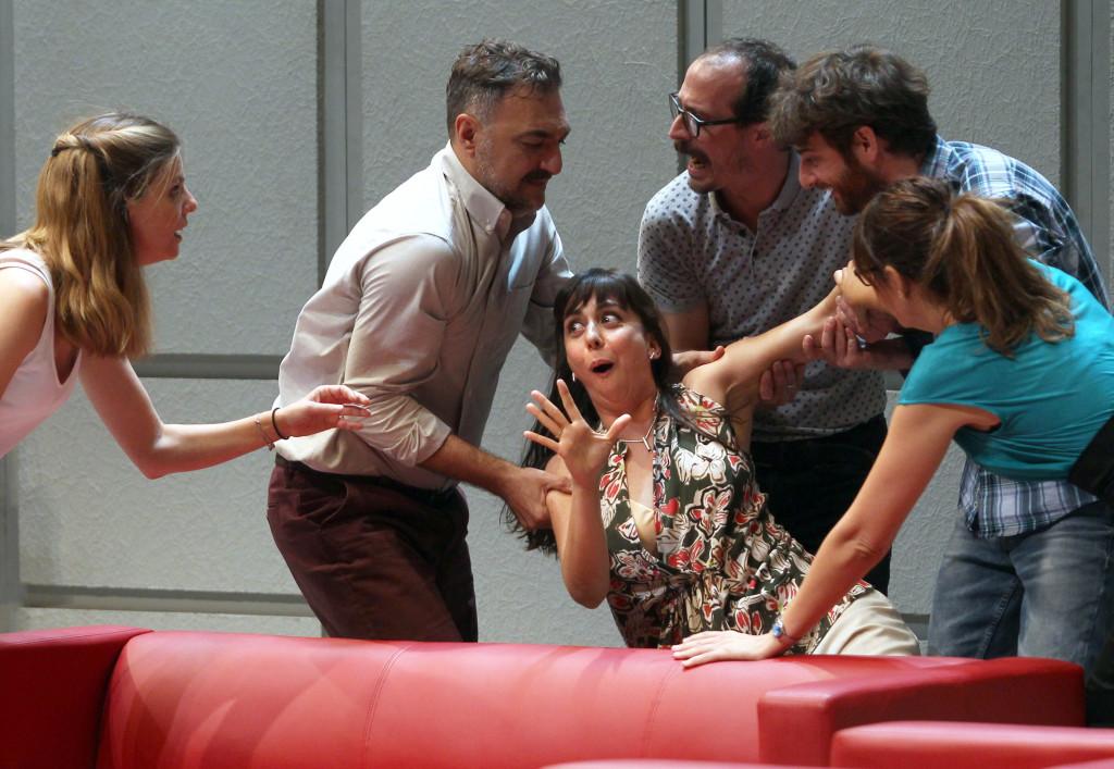 Seis célebres actores y actrices 'Bajo terapia', este sábado en Mora de Rubielos en una divertida comedia