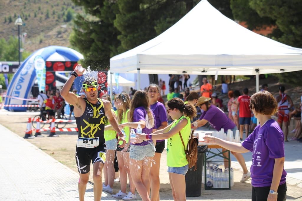 El IV Tri La Mina y I Half Triatlón de Mequinensa ponen en marcha una campaña de captación de voluntarios para colaborar con la organización