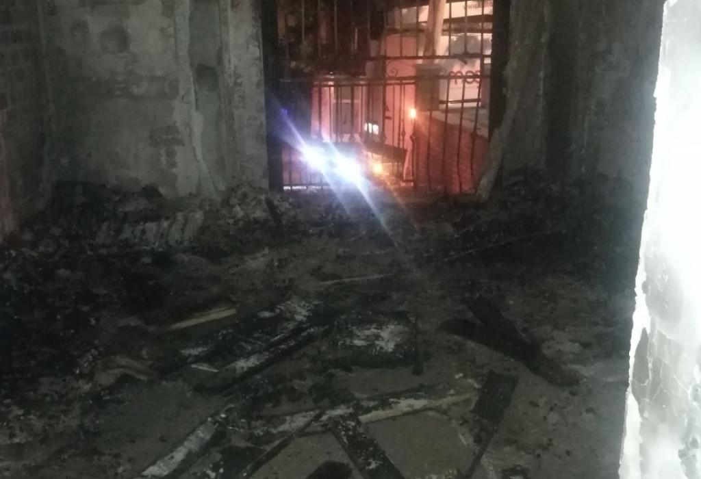 Detenido el exmarido de una víctima por el incendio de un piso en La Paz