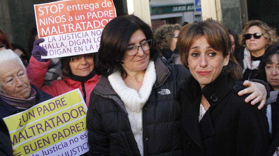 """Juana Rivas vuelve a denunciar a su expareja por maltrato """"físico y psicológico"""" hacia sus hijos"""