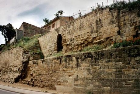 Los trabajos de rehabilitación de la muralla de Uesca comenzarán en septiembre