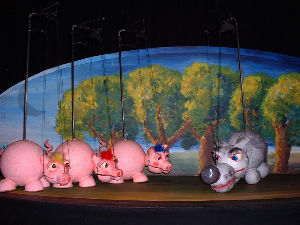 """""""Los tres cerditos"""" abrirán la programación del Teatro Arbolé este fin de semana"""
