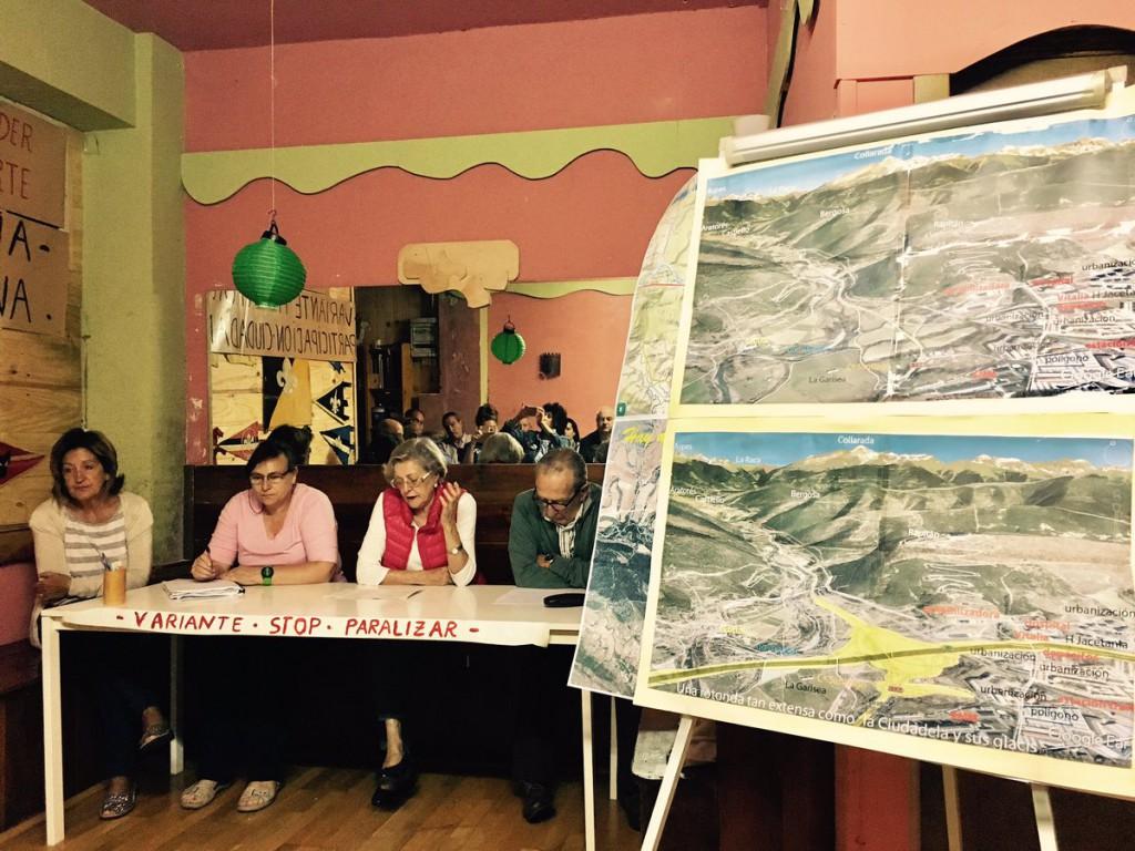IU Aragón se reúne con la asociación 'Jaca sin perder el norte' con el proyecto de la variante como tema principal