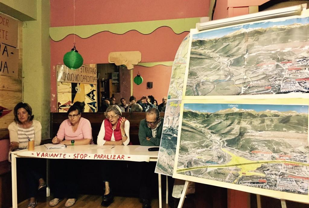 La presidenta de las Cortes, Violeta Barba, visita la zona afectada por la Autovía de Chaca
