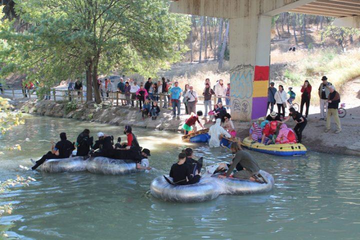 Cientos de personas participan en una reivindicativa y festiva XXXV Bajada del Canal