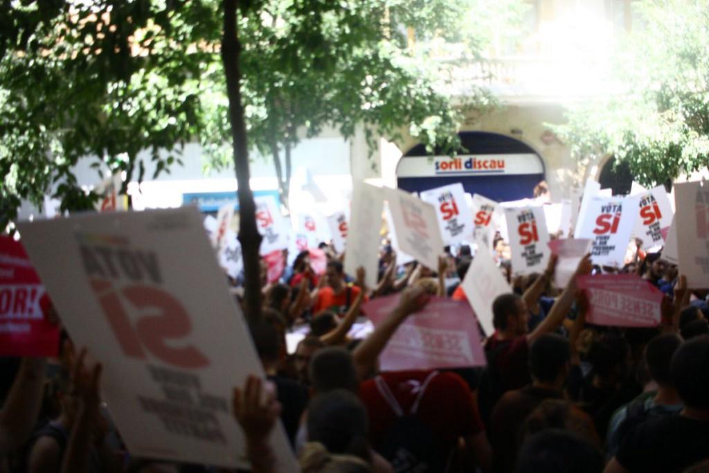 La CUP presenta una denuncia a la Policía española por el intento de asalto a su sede el 20-S
