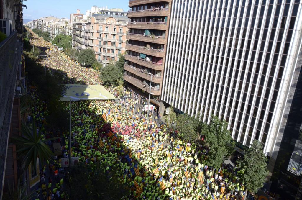 Catalunya reclama masivamente su necesidad de votar durante 'La Diada del Sí'