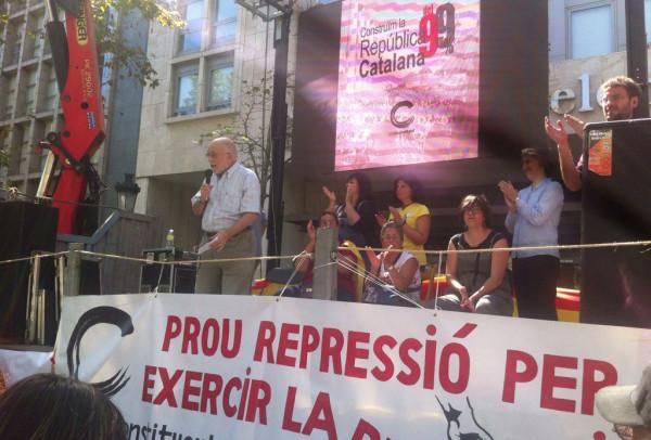 Arcadi Oliveres durante el acto de Procés Constituent. Foto: @PConstituentTRS