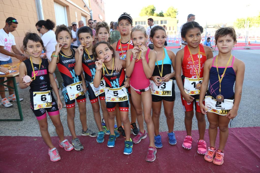 El II Tri Kids de Mequinensa supera la cifra de personas inscritas de la primera edición