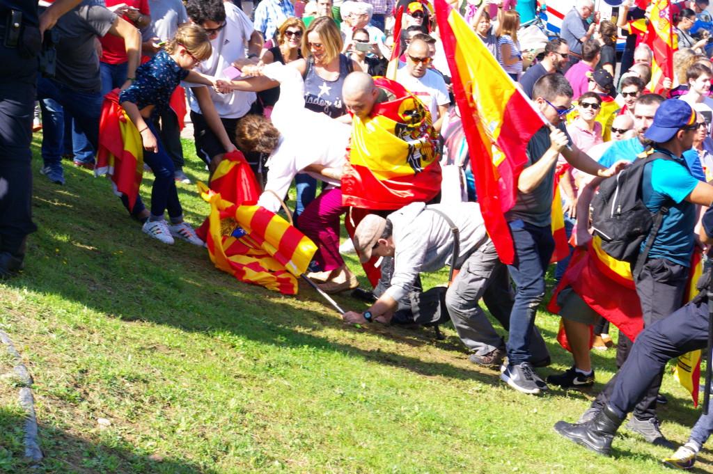"""El acoso ultra a 400 políticos y políticas en Zaragoza queda archivado """"por falta de autor conocido"""""""