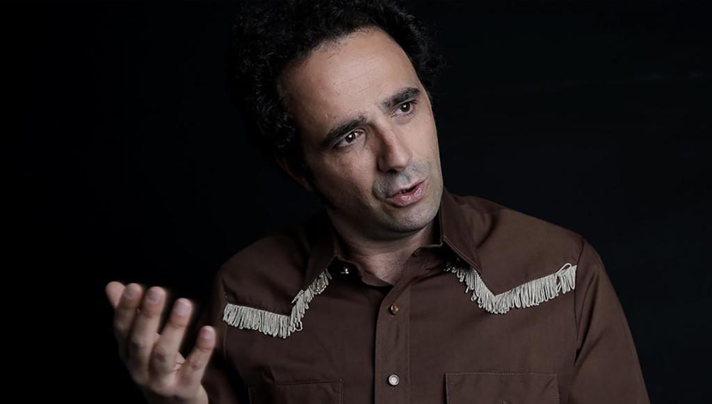 La Teta Calva presenta 'Llopis', una comedia ácida y poética sobre la invisibilidad humana y el falso éxito