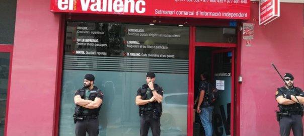 La Guardia Civil registra la sede del semanario 'El Vallenc' en Valls