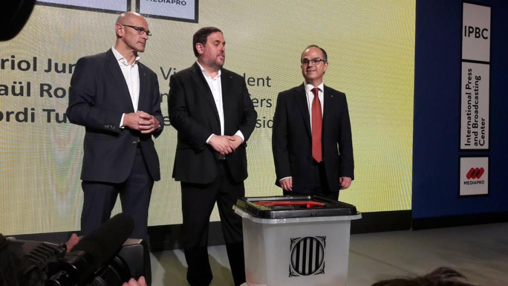 El govern de la Generalitat comparece para aclarar aspectos logísticos del referéndum