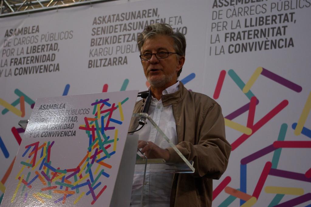 Santisteve condena la violencia policial en Catalunya e insta al diálogo político