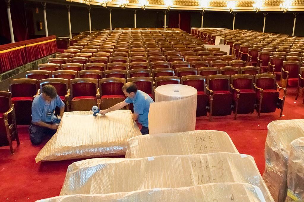 Rivarés propone sancionar a la empresa de las butacas del Teatro Principal por el retraso en su colocación