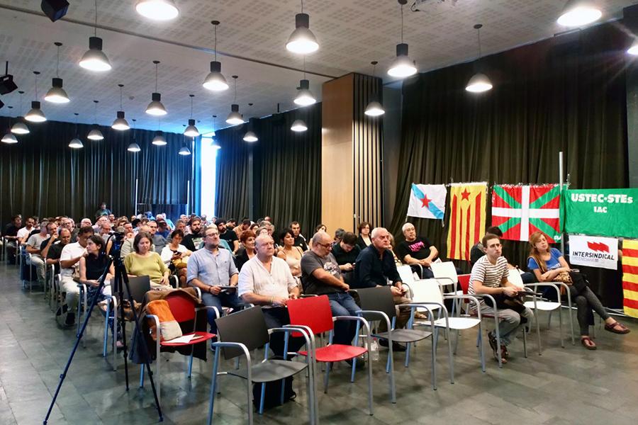 Una quinzena de sindicats d'arreu de l'Estat espanyol es comprometen amb la cita de l'1-O