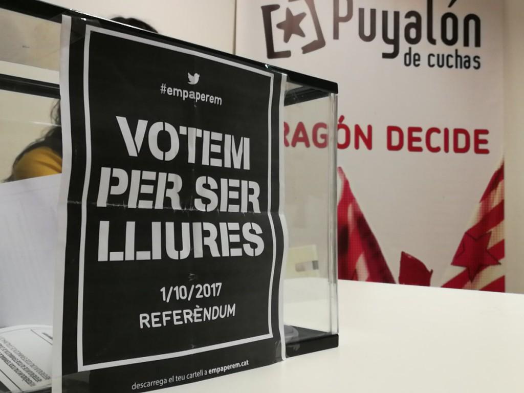 """Alta participación en la votación simbólica en """"apoyo al referéndum de Catalunya"""" en la sede Puyalón y Purna"""
