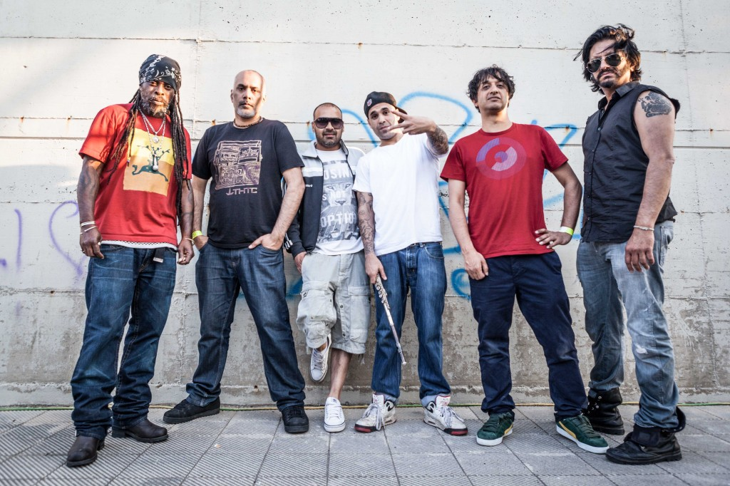 Asian Dub Foundation y Maut en la Plaza de San Bruno