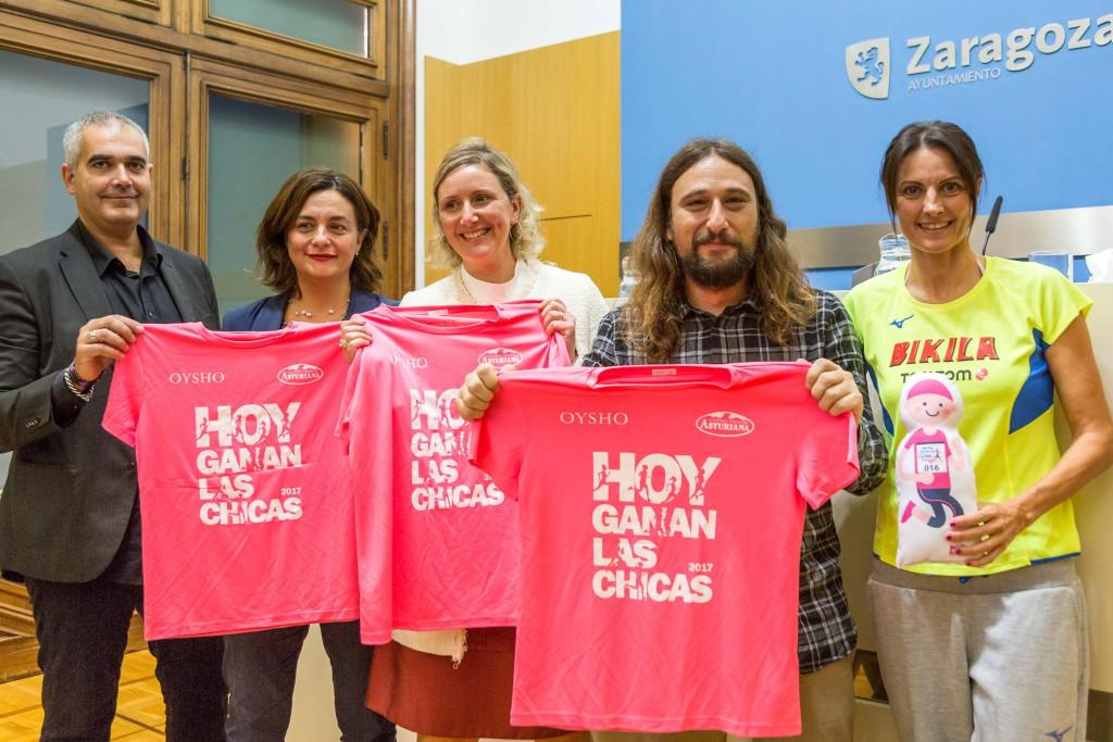 La 'Carrera de la Mujer' bate récord en Zaragoza con 10.000 inscritas