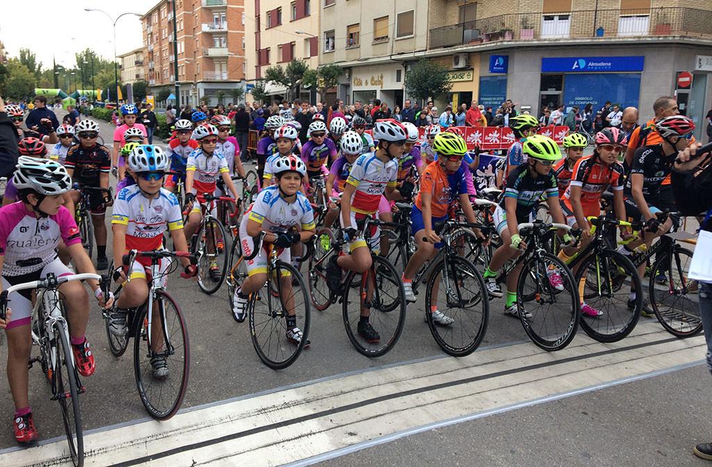 Éxito rotundo de la tercera edición de 'Educando con el ciclismo'