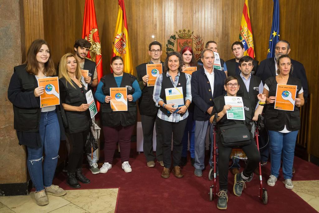 La vicealcaldesa de Zaragoza recibe al colectivo Plena Inclusión