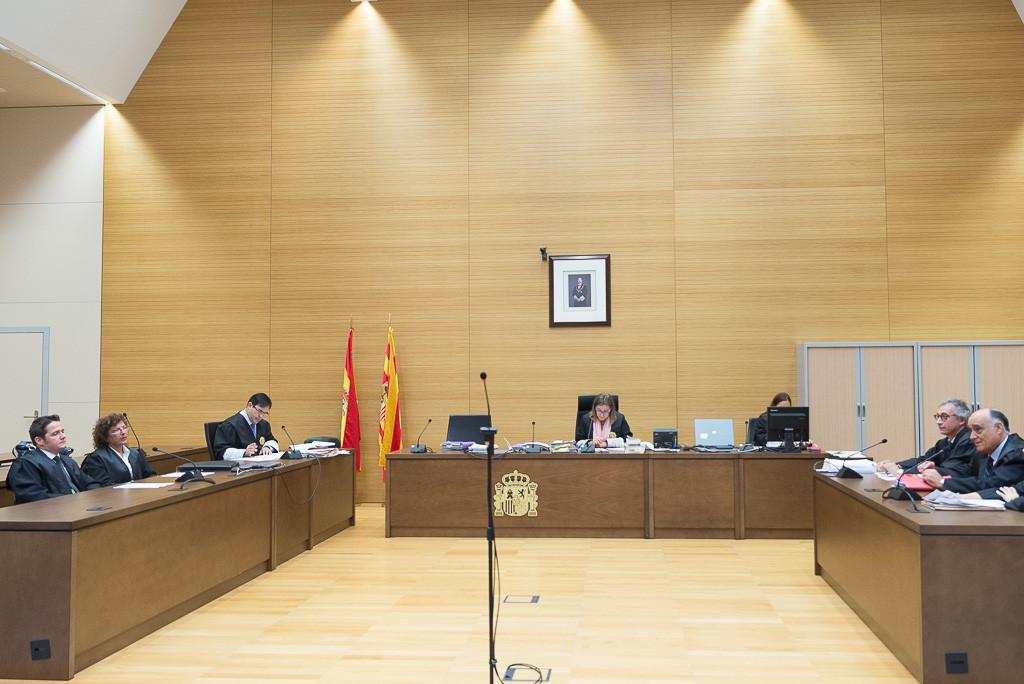 'Los 10 de Zaragoza' no ingresarán en prisión tras alcanzar un acuerdo previo a la vista oral