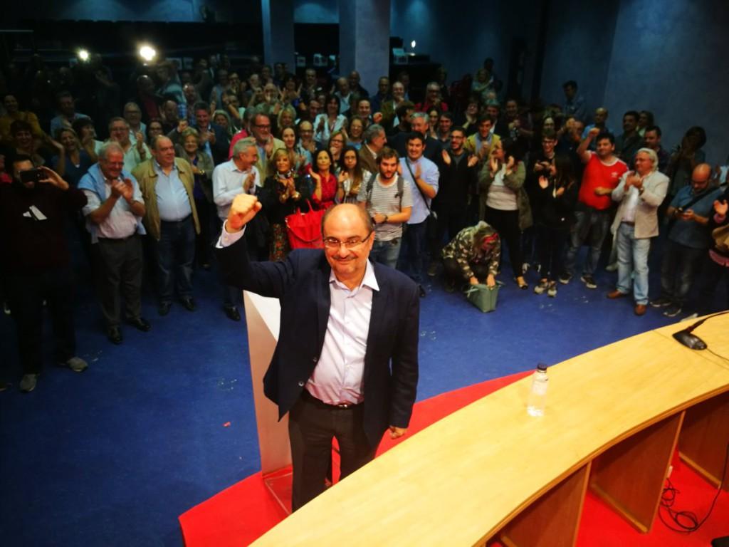 """Lambán quiere convertir al PSOE Aragón """"en la punta de lanza de la defensa de la unidad de España"""""""