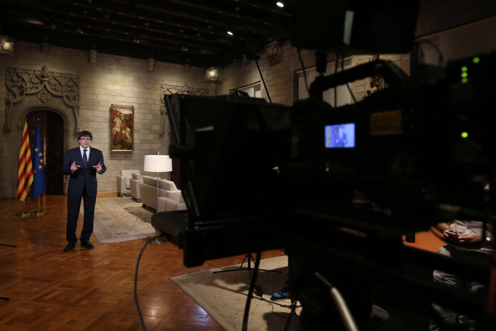 """Puigdemont pide al Parlament debatir """"sobre el intento de liquidar el autogobierno"""" en Catalunya"""