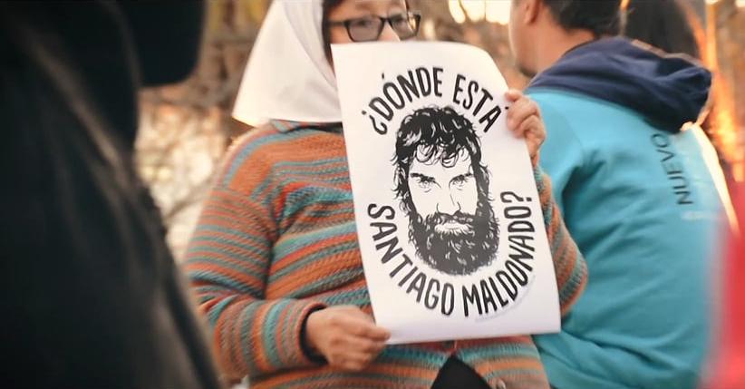 La familia y el juez confirman que el cuerpo hallado en río Chubut pertenece al activista Santiago Maldonado