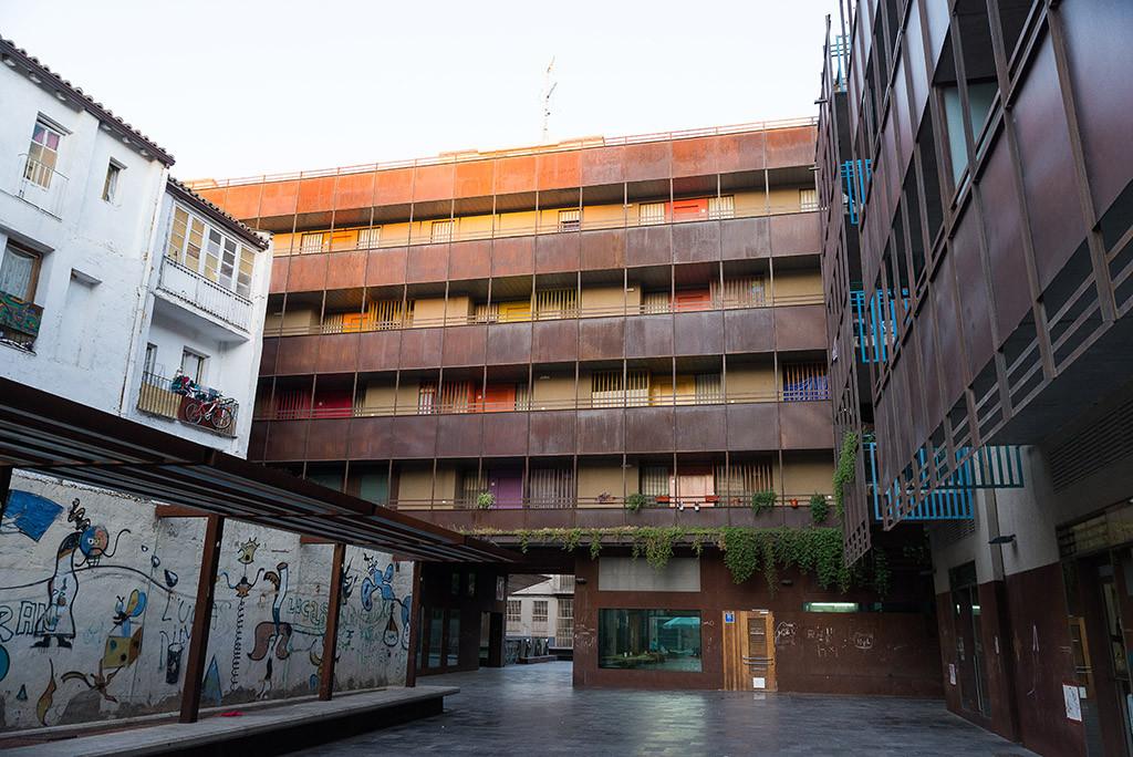 El Estado español dedica 10 euros por persona en vivienda, el Ayuntamiento de Zaragoza 34 euros