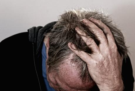 Las indicaciones de un grupo de médicos aragoneses marcarán cómo tratar a los y las pacientes con migrañas crónicas