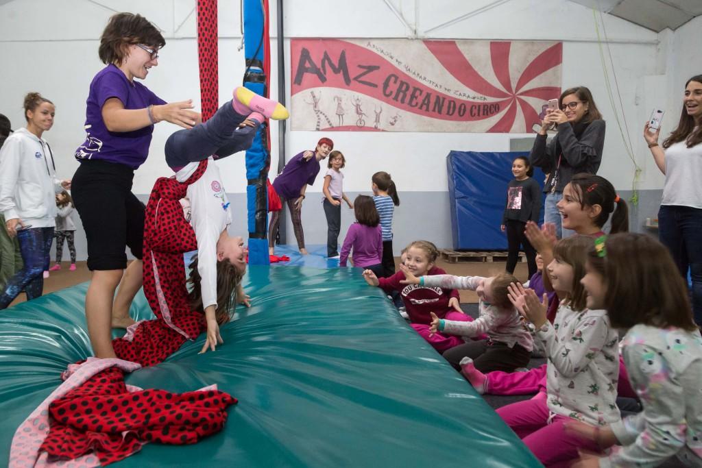 Cerca de 700 escolares de Zaragoza se inician en las artes circenses con el proyecto Zircus Class