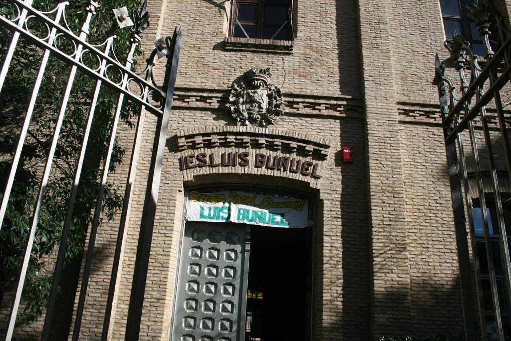 Zaragoza, ciudad de la cultura comunitaria, multa al CSC Luis Buñuel