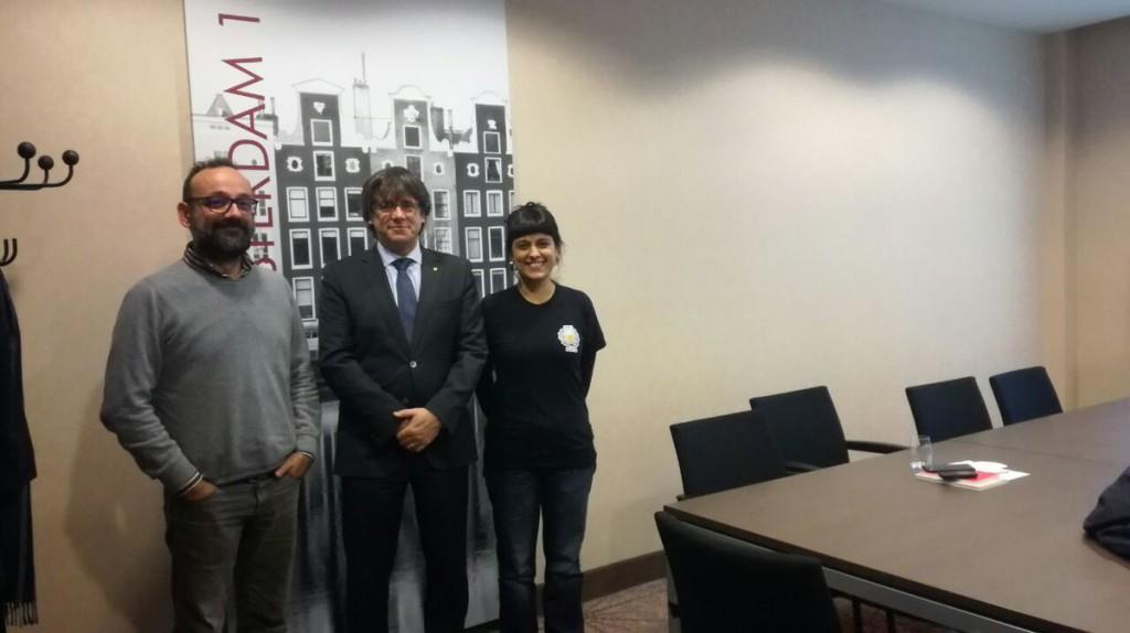 """Diputats de la CUP-CC visiten a Carles Puigdemont a Brussel·les per mostrar el seu suport al """"govern legítim"""""""