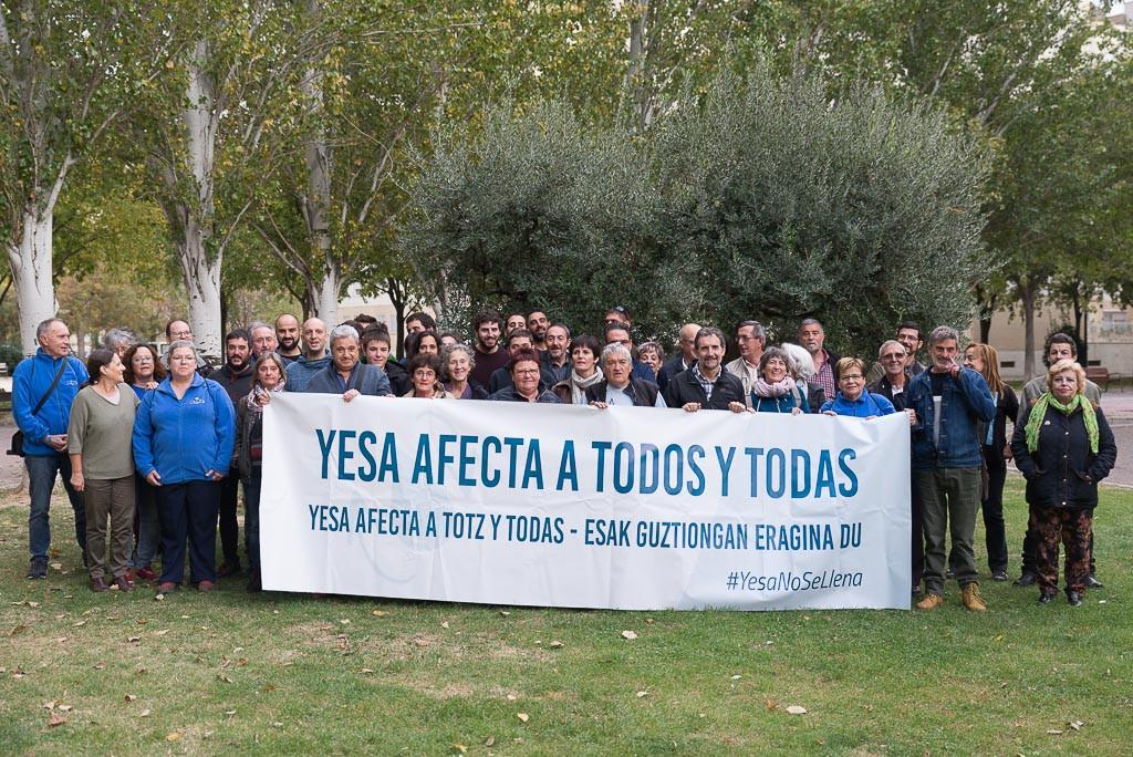 'Yesa no se llena/Yesa no s'imple; queremos vivir aquí', lema de la segunda marcha a la presa