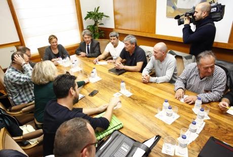 El Gobierno de Aragón y el Comité de Empresa de la Térmica de Andorra pedirán una entrevista con el ministro de Energía