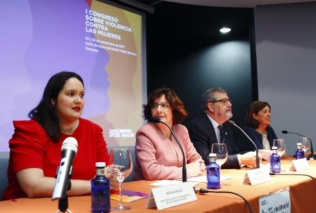 Broto llama a la sociedad aragonesa a sensibilizarse y denunciar los casos de violencia machista