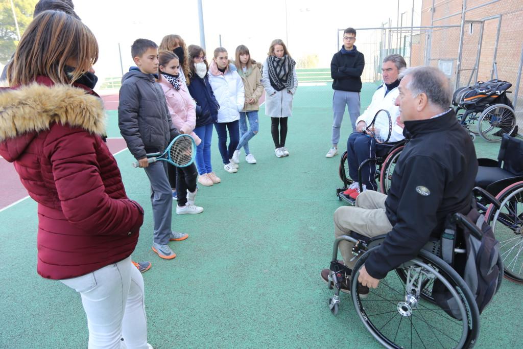 Alumnado del IES Baix Cinca de Mequinensa participa en una actividad de sensibilización sobre diversidad