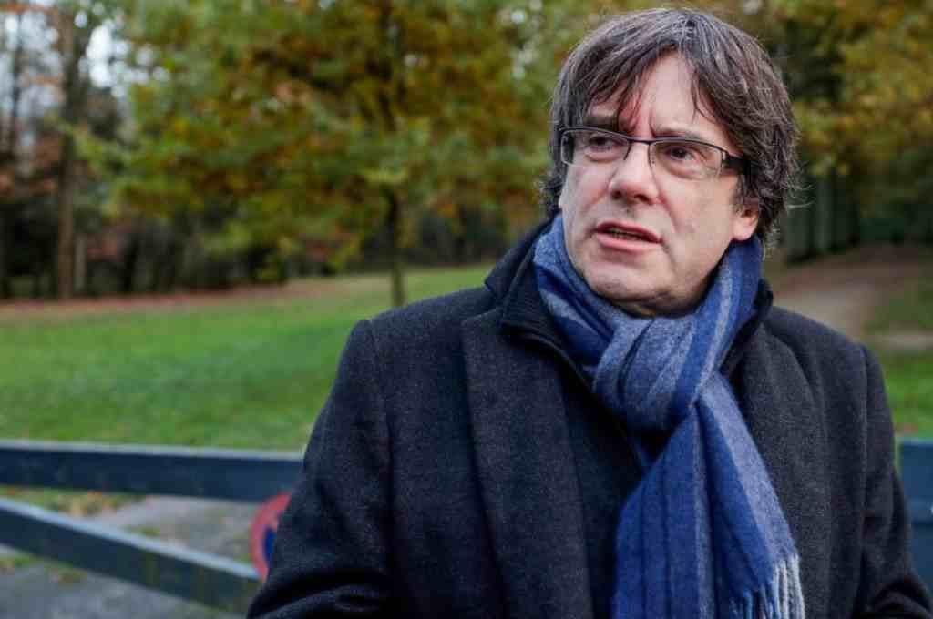 Puigdemont pide amparo a Roger Torrent para poder ser investido