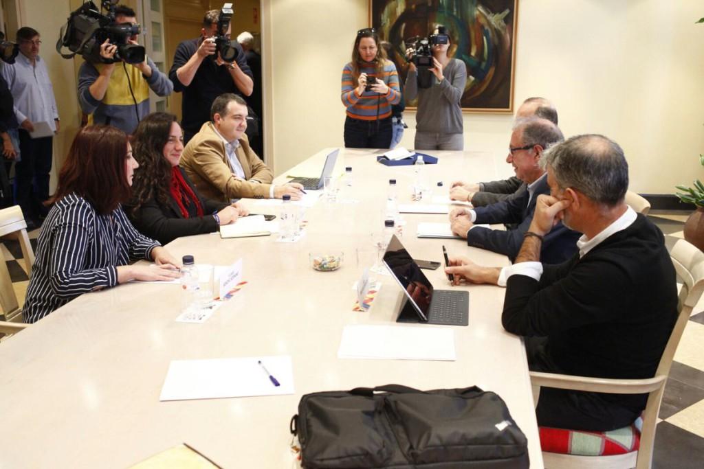 """""""Clima favorable"""" en la primera reunión de los Presupuestos de Aragón 2018"""