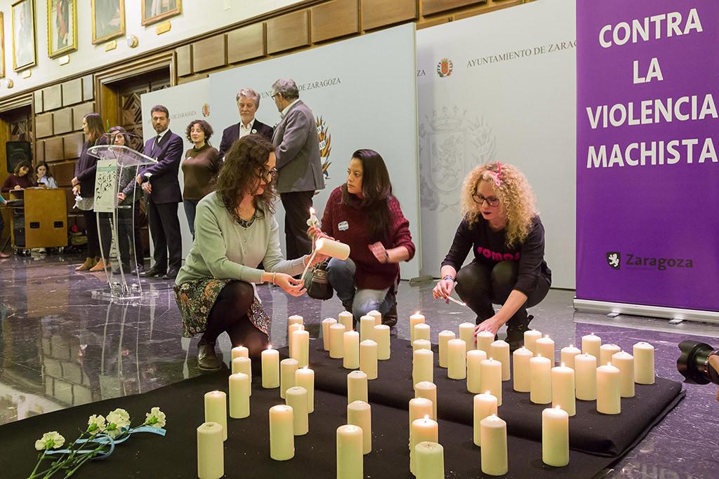 Zaragoza homenajea a las víctimas de violencia machista y a las mujeres que luchan contra ella